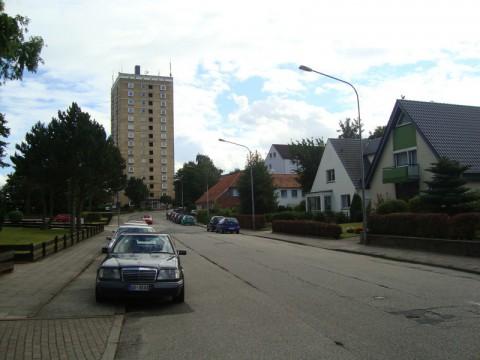 Частный сектор соседствует с жилыми многоэтажками