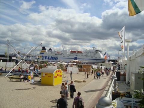 Корабль в порту Любека