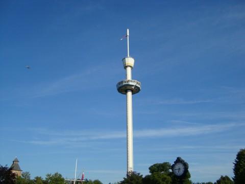 Вращающийся круг. Сидя в нём, можно увидеть весь Hansa Park!