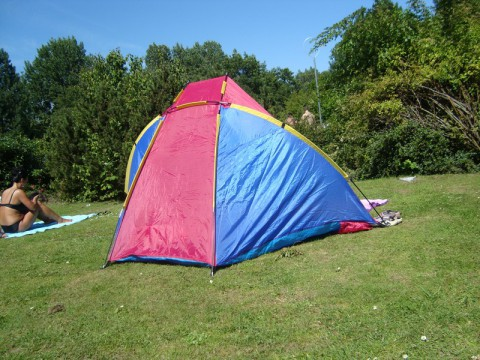 Палатка во Freibad в Германии
