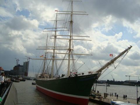 Парусный корабль в Гамбурге