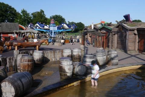 Бочки и вода в Ханза Парк