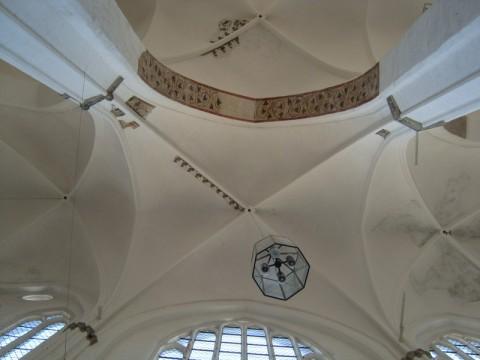 Высоченный потолок в церкви святого Петри
