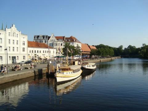Красоты Любека. Река Траве в центре старого города