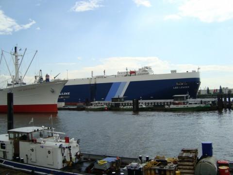 Корабль San Diego и ещё один, который был захвачен нами в открытом море!