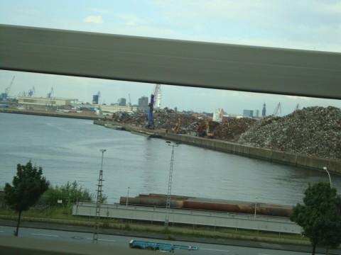 В Гамбурге едем по мосту
