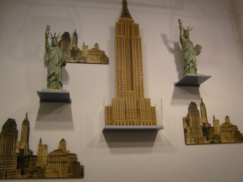 Достопримечательности Нью-Йорка в музее колонны Победы