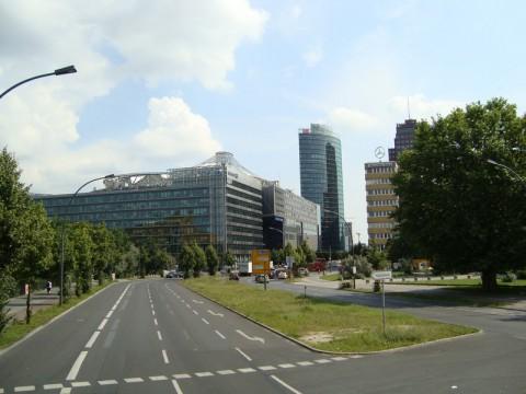 Берлин. Дорога на Потсдамскую площадь (Potsdamer Platz)