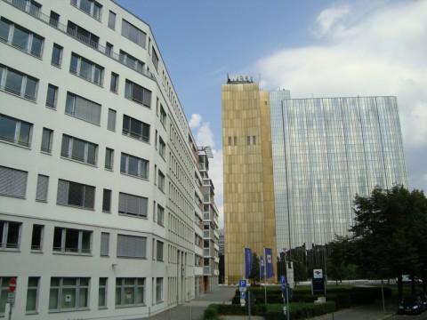 Потсдамская площадь в Берлине. Кадеве, Курфюрстендамм