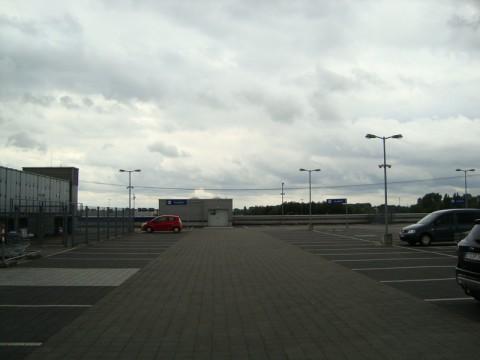 IKEA в Германии. Автостоянка в гамбургской икее
