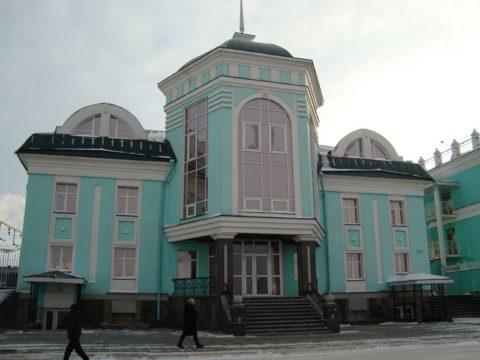 Омск. Жд вокзал и привокзальная площадь